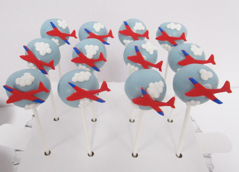 Airplane-Cake-Pops