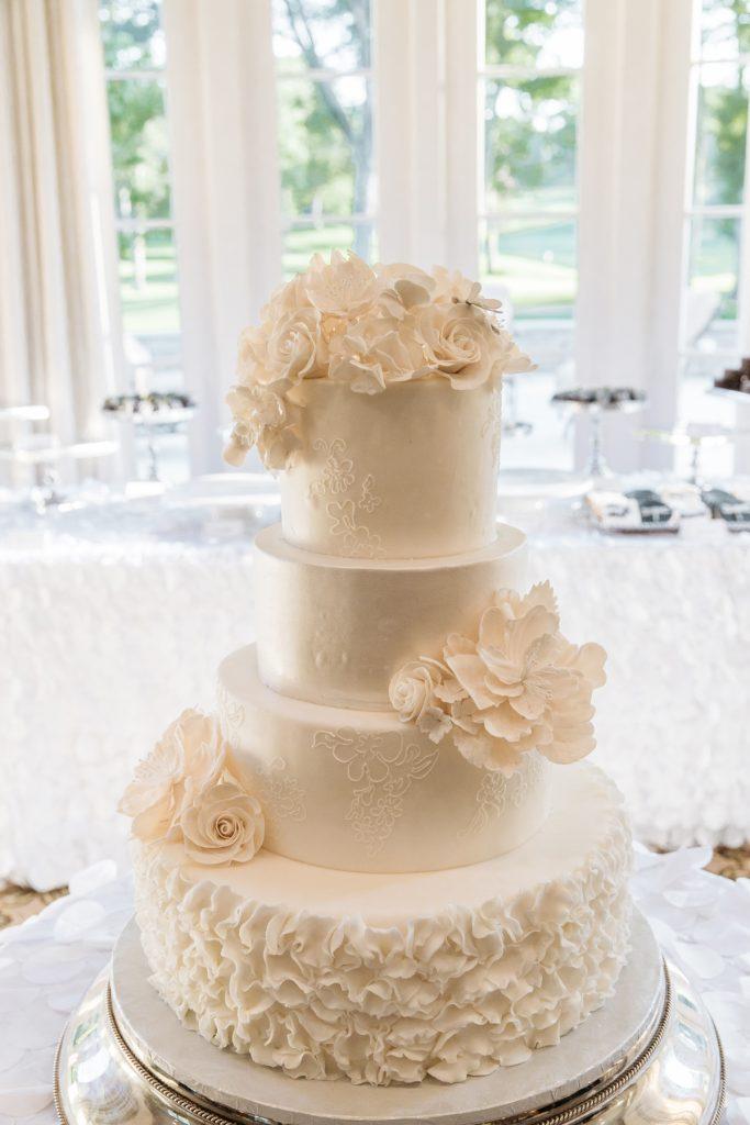 Betsy-Sue-Shannon—Maureen+Max-Wedding-Camera-One-494