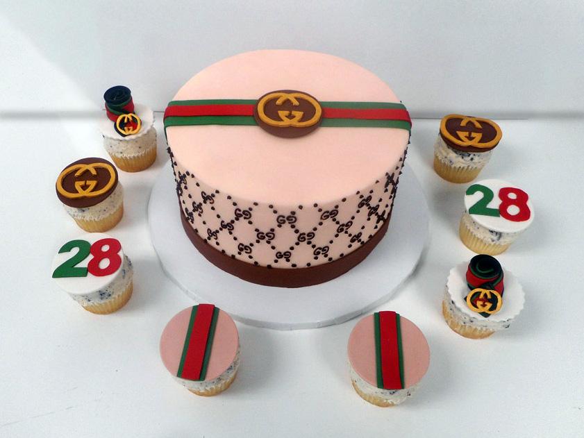 Gucci-Cake-_-Cupcakes