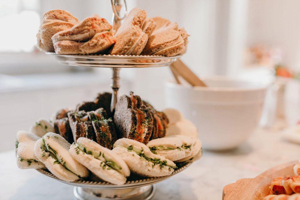 IT0A5316–Heart-Shape-Tea-Sandwiches