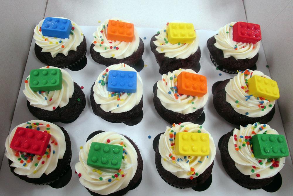 Lego-Blocks-Cupcakes