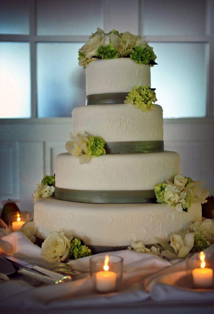 PB_Weddings_Cake_ChrisVicki_C