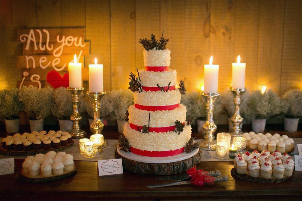 PB_Weddings_Cake_JennMike-716