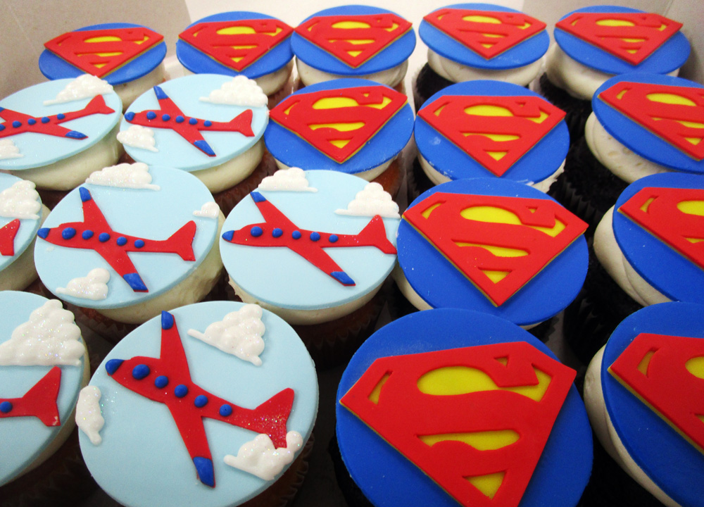 Superman-_-Plane-Cupcake-Toppers